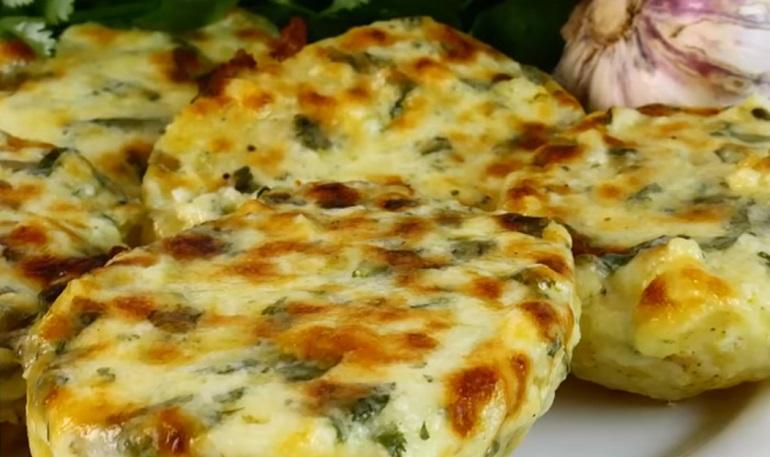 Чесночная картошка с сыром: …