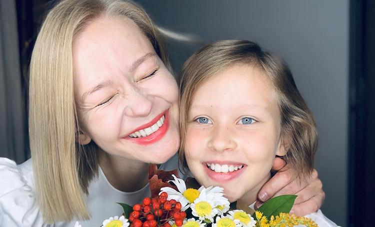 По стопам родителей: старшая дочь Юлии Пересильд и Алексея Учителя снимется в кино Дети,Дети знаменитостей