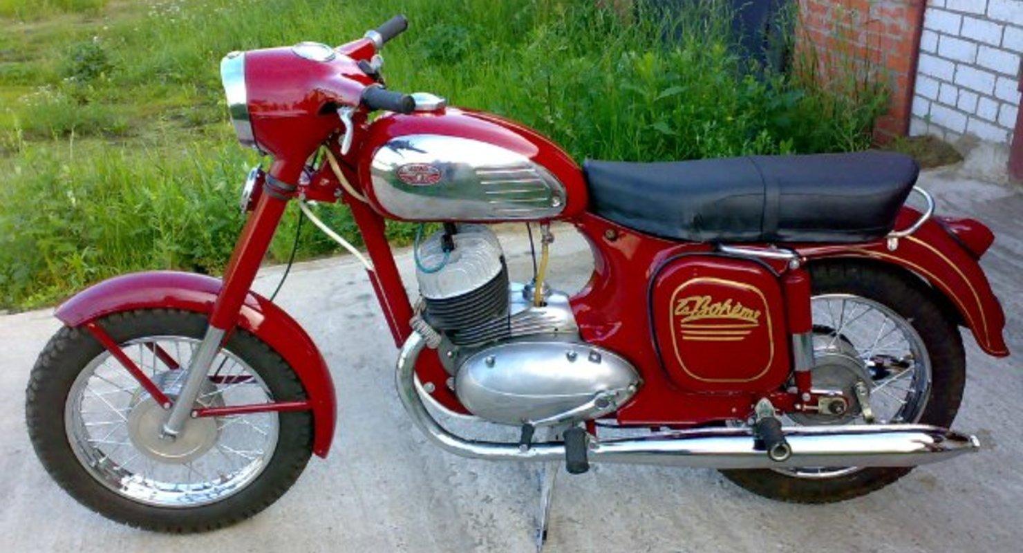 Какие отличия у мотоциклов Ява-350, выпущенных в 1971 и 1976 году? Исследования