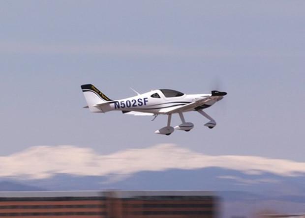 Американцы испытали электрический учебный самолет