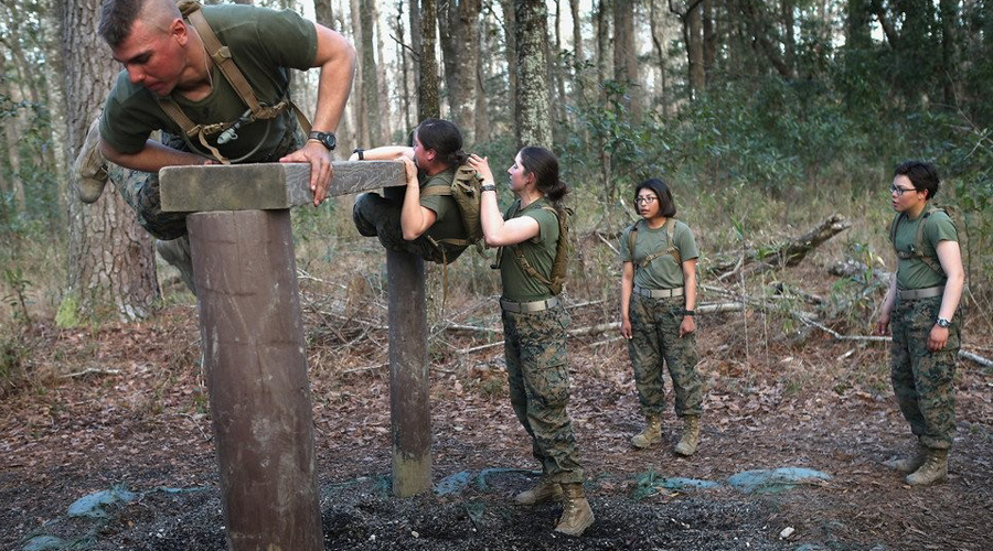 Упражнения морпехов, которые создают бойца за месяц Американские морпехи,бег,Жим штанги стоя,отжимания,Подтягивание,Пуловеры,Силовой тренинг,Спина,Тренинг