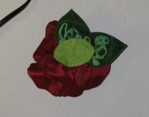 Шикарные цветы из атласных лент