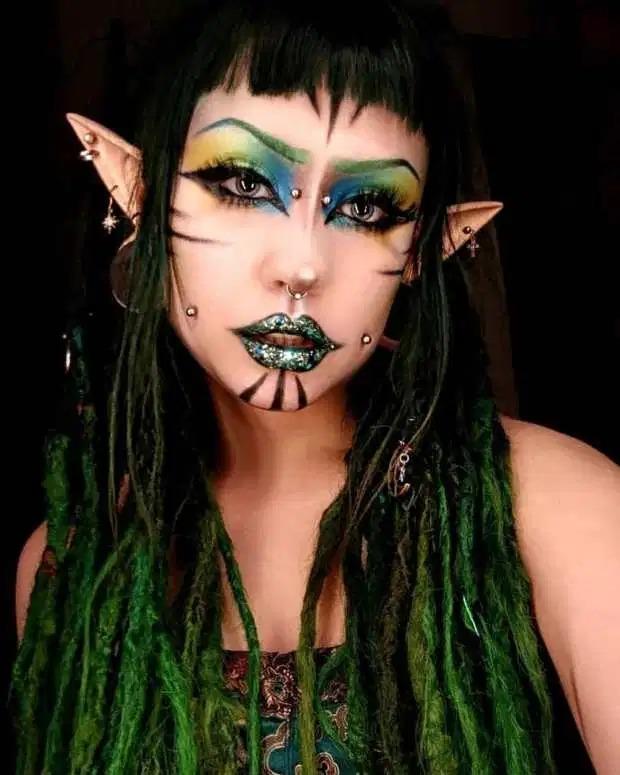 22-летняя финка из-за пирсинга и татуировок стала похожа накошку-инопланетянина