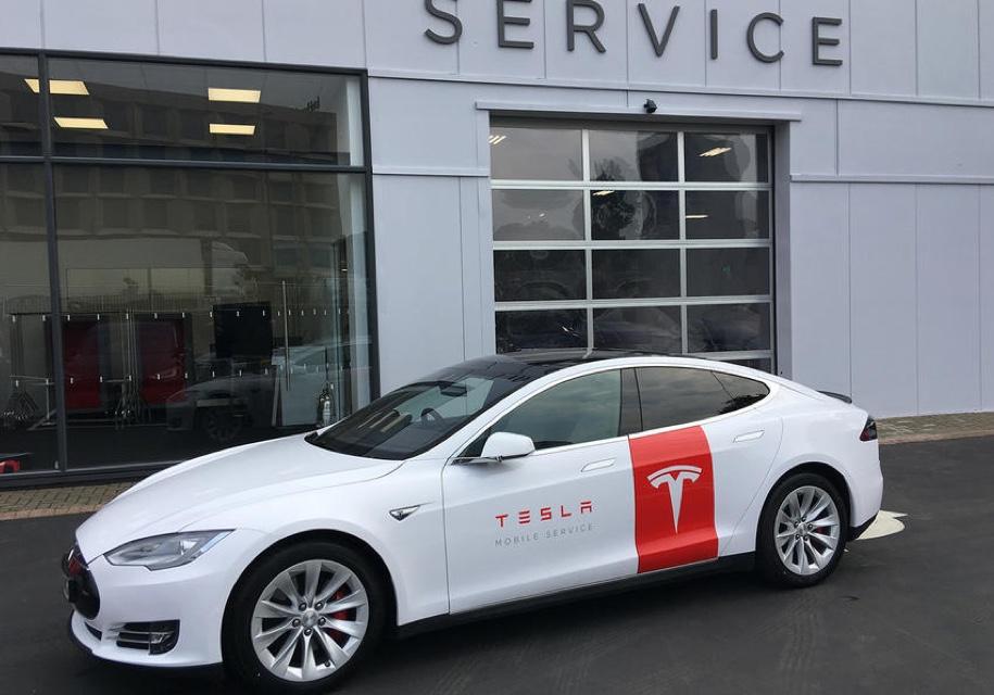 Лифтбеки Tesla Model S превр…