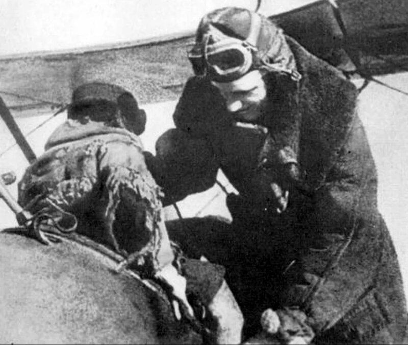 Подвиг пилота Мамкина. Он горел за штурвалом, спасая детей Александр Петрович Мамкин, страницы истории, чтобы помнили