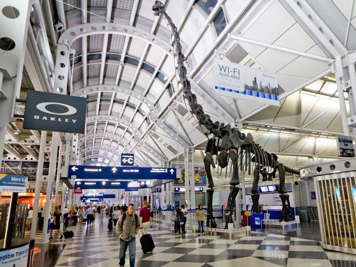 13. Международный аэропорт О'Хара расположенный в северо-западной части Чикаго. Пассажирооборот – 76 949 504 пассажиров.