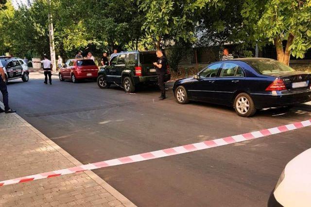 На Украине неизвестный стрелял в чиновника