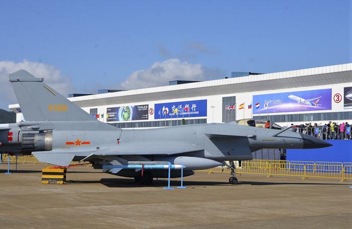 Airshow China 2018: первым делом - истребители
