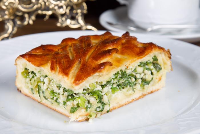 Заливной пирог с зеленым лук…