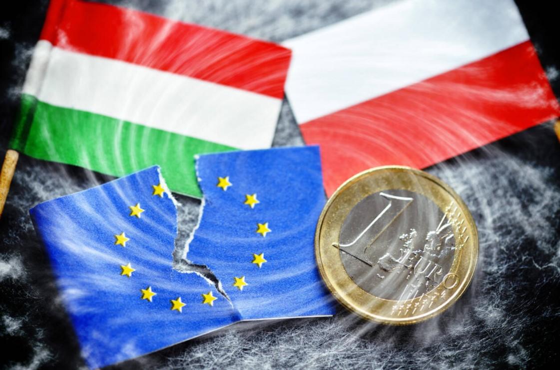 Польша и Венгрия отстаивают традиционные ценности вопреки воле ЕС