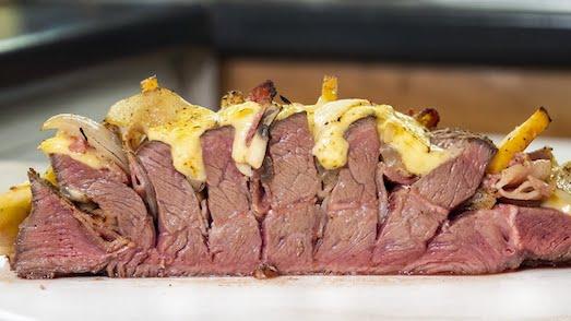 Как приготовить вкусное мясо по-французски?