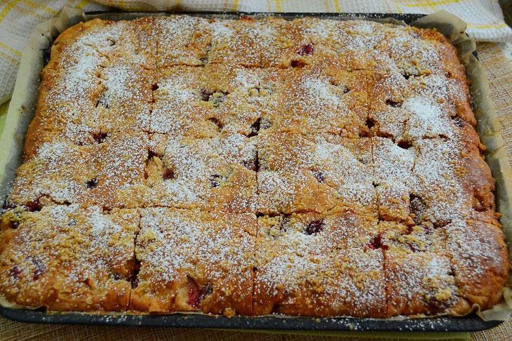 Домашний песочный пирог с яблоками и вишней — очень вкусный и ароматный сладкая выпечка