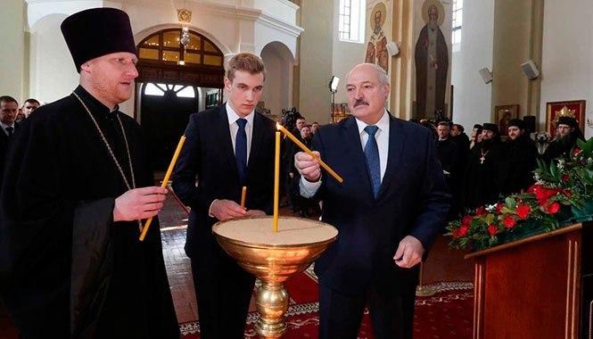 Александр Лукашенко выступил против закрытия храмов в условиях эпидемии COVID-19