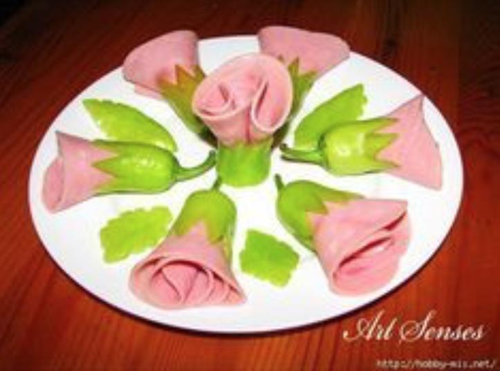 Цветы из перчиков и ветчины -  закуска для украшение стола