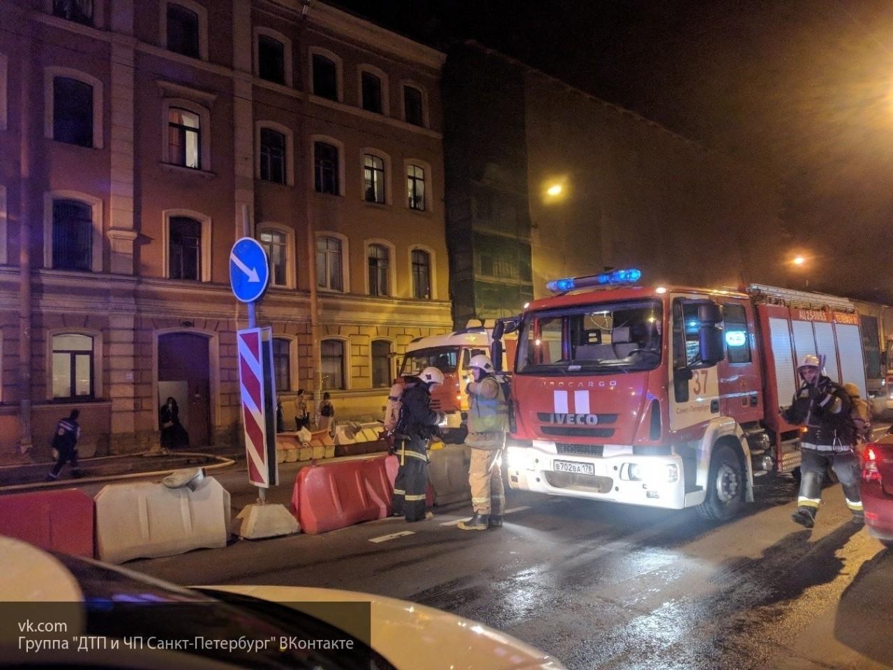 Крупный пожар произошел в многоквартирном доме в Самаре