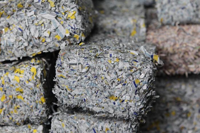В кризис старые денежные купюры оказались неплохим строительным материалом. /Фото: theplaidzebra.com
