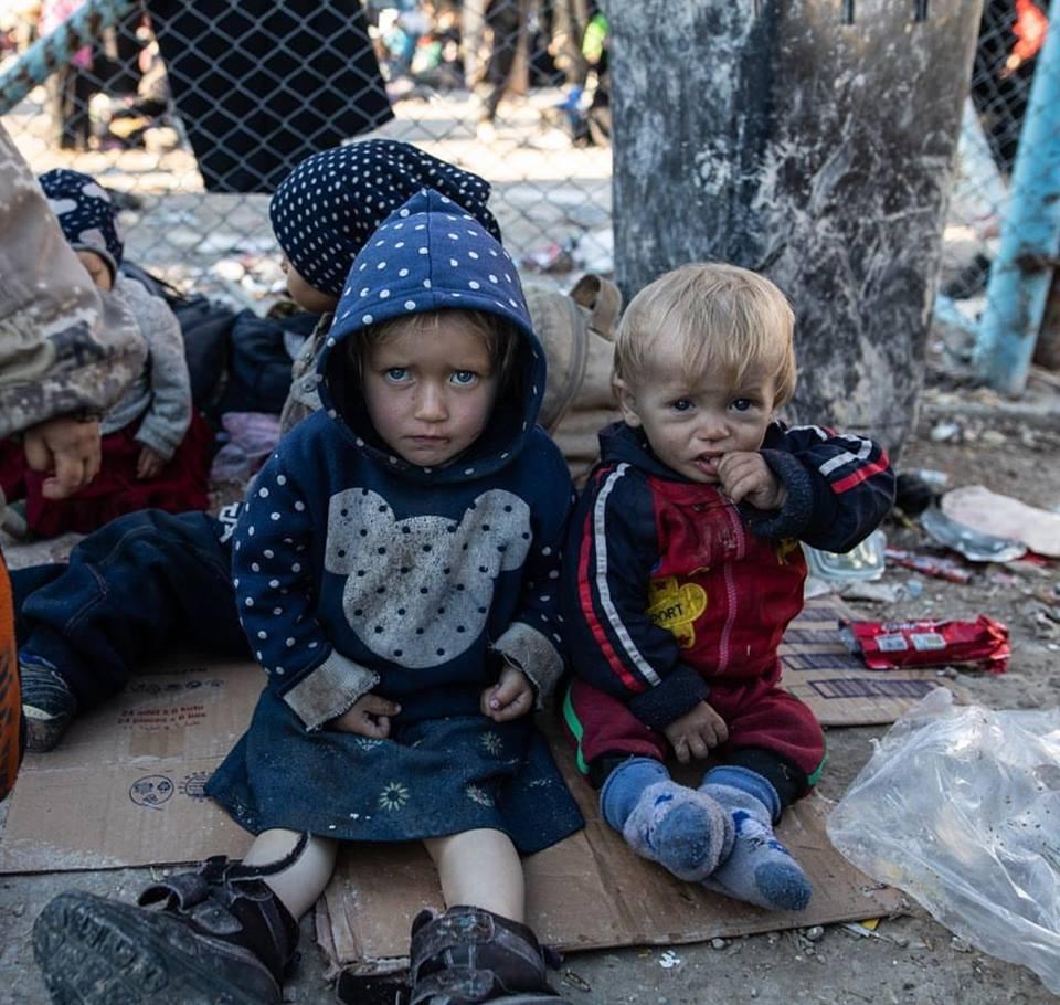 Лагерь «Аль-Холь»: курдские боевики издеваются над сирийскими беженцами