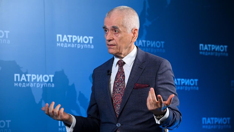 Было и было: Геннадий Онищенко высказался о системе QR-кодов Общество