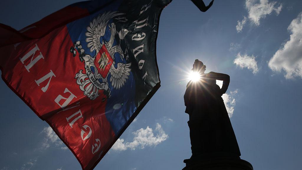 Армия ДНРпомогает детям Дон…