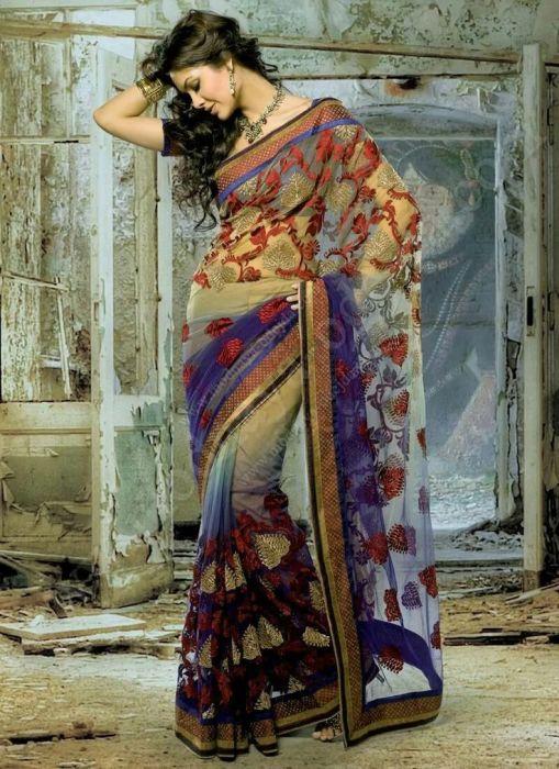 Некоторые исследователи считают, что чоли стали носить по требованию колонизаторов Индии