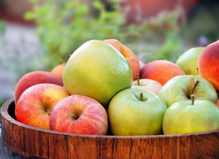 оладьи с яблоками и творогом
