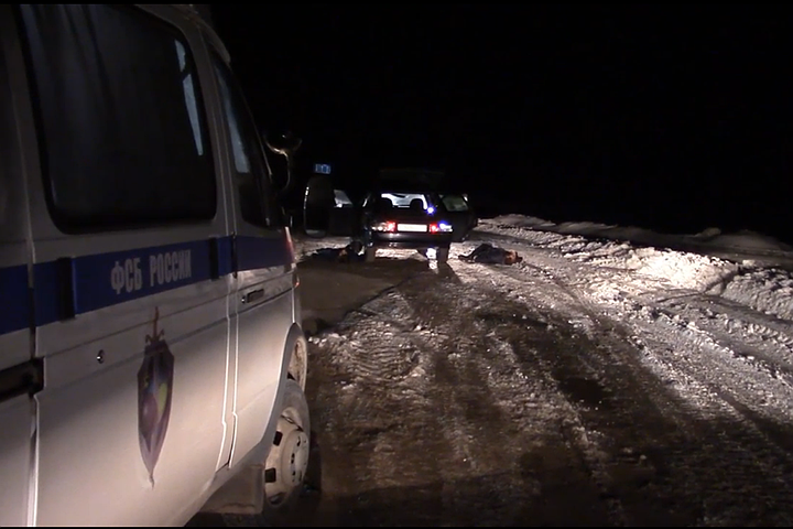 ФСБ распространило видео задержания террористов, ехавших на заминированном автомобиле в Саратов