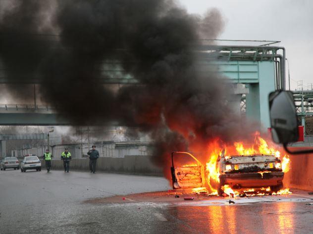 Сгоревший на трассе «Лексус» сняли на видео