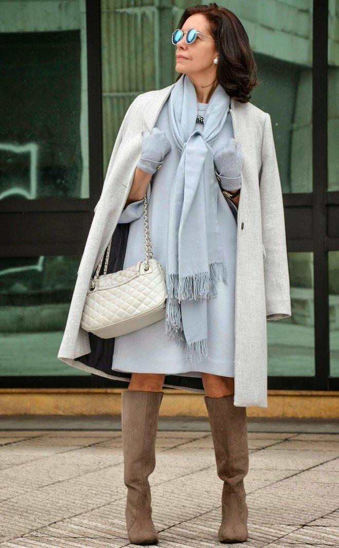 В 60+ лучше выглядеть элегантной леди, а не изо всех сил молодящейся бабушкой можно, образ, сапоги, сумка, дополняют, силуэта, будет, цвета, нужно, эффектно, прямого, использовать, высокие, очень, подобрать, совсем, черного, смотреться, деталь, джемпера