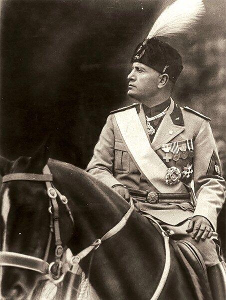Почему немцев называли фашистами, когда на самом деле они были нацистами? А фашисты были в Италии... белые страницы истории,всемирная история