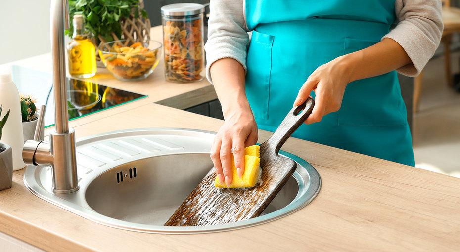 10 способов почистить разделочную доску