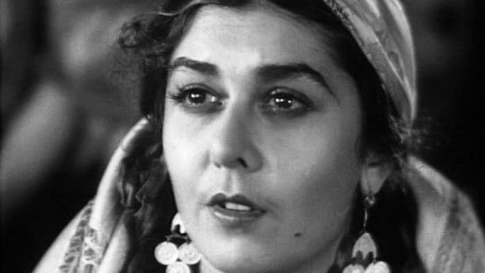 Завораживающая красота: 10 известных женщин с цыганскими корнями