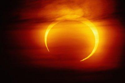 Кольцеобразное солнечное затмение 29 апреля 2014 .Сообщения с разных сайтов