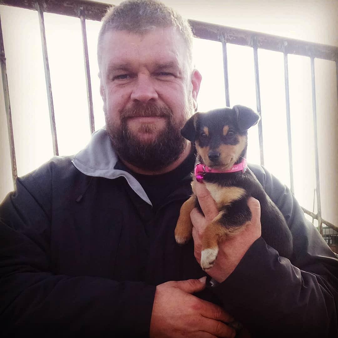 6-летнему Ване и его отцу удалось спасти более 100 собак и кошек истории из жизни