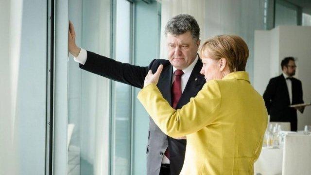 Порошенко не доволен: Ангела Меркель рассказала украинскому президенту об итогах переговоров с Путиным