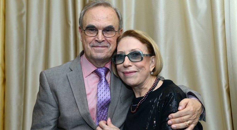 76-летняя Инна Чурикова опубликовала трогательное семейное фото с мужем и сыном