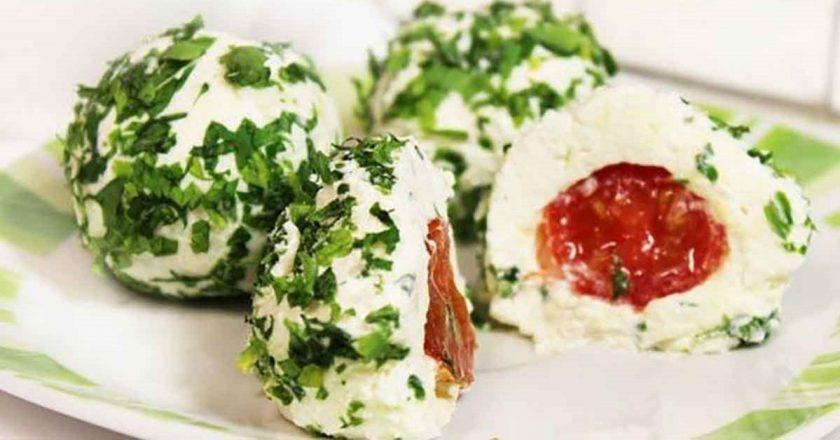 Сырные шарики с сюрпризом: вкусно, красиво и необычно