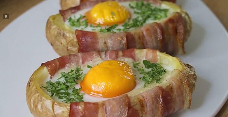 Картофель, запеченный в духовке с яйцами: украсит любой праздничный стол