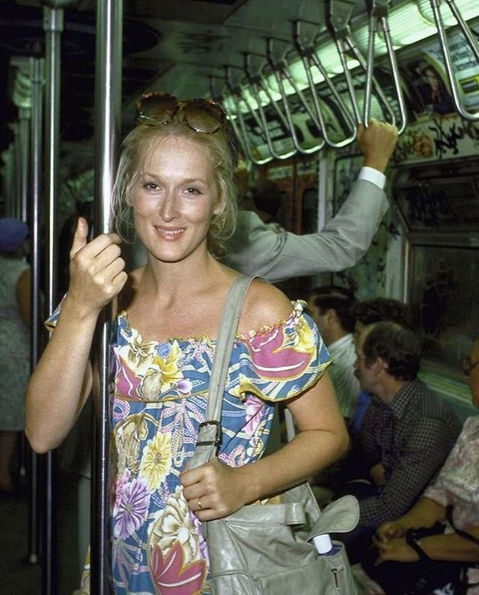 11. Мэрил Стрип в метро, 1981 г. Фото - Тед Тай Instagram, звезды, знаменитости, знаменитости в молодости, известные, редкие фото, селебрити, старые фото