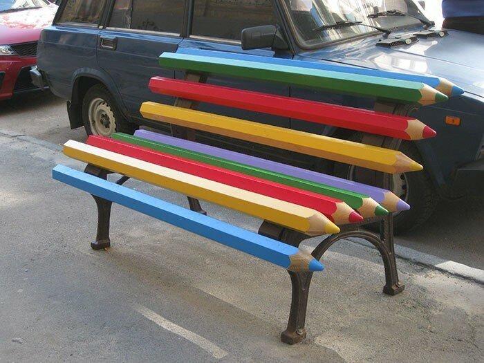 Скамейка из карандашей в Киеве, Украина в мире, в парке, красота, креатив, лавочка, скамейка, удобство, фантазия