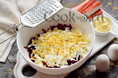 Свекла + крабовые палочки = потрясающе вкусный салат из самых простых продуктов салаты