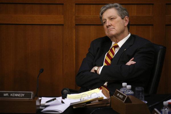 Сенатор США угрожает России «драконовскими мерами»