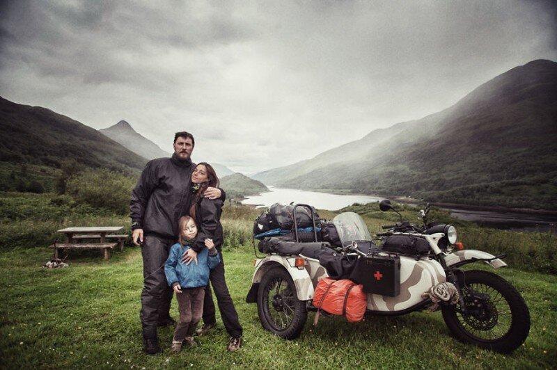Впечатляющее путешествие семьи, объехавшей Европу на «Урале»