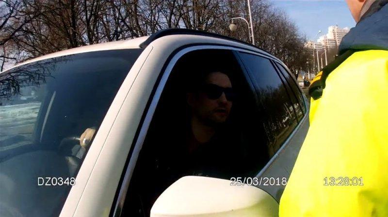 В Минске задержали водителя BMW с московскими номерами при помощи ОМОНа bmw, авто, беларусы, видео, гаи, гибдд, общение с гибдд, полиция