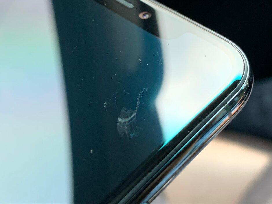 Пользователи массово жалуются на царапающийся экран iPhone 11 новости,смартфон,статья