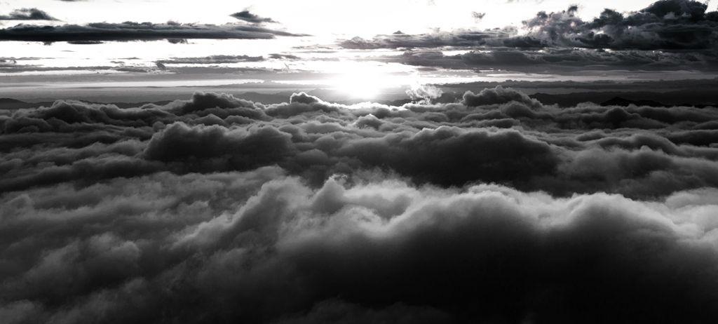 Черные тучи над Землей
