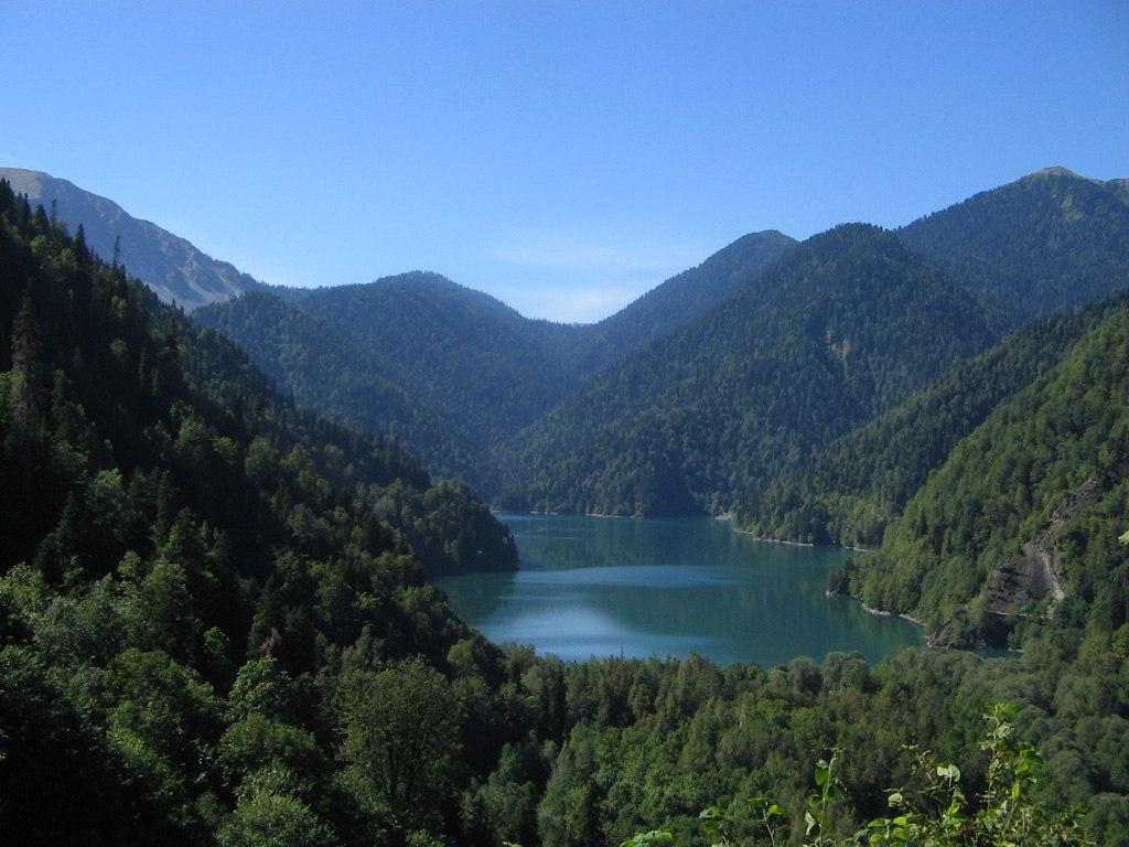 Озеро Рица - сверхпопулярный советский курорт