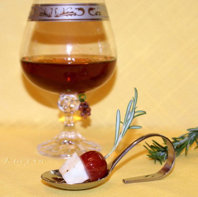 Виноград маринованный с сыром греческая кухня,закуски,кухни мира
