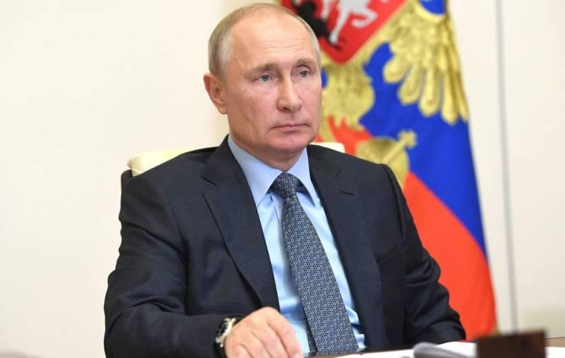 «Никто его не слушается»: либеральная среда реагирует на идею Путина о пожизненном сенаторстве Новости