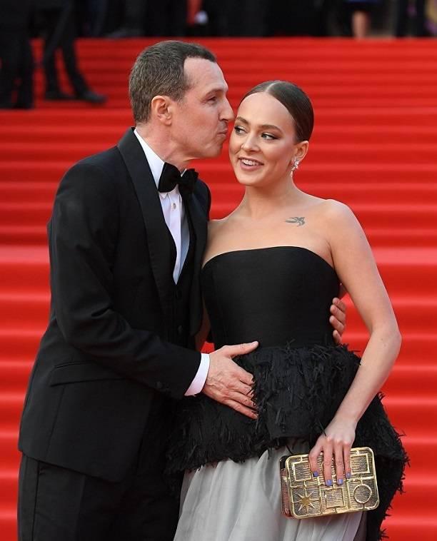 Любовь с разницей в 30 лет: в сети обсуждают бурный роман известной актрисы и 54-летнего Игоря Верника