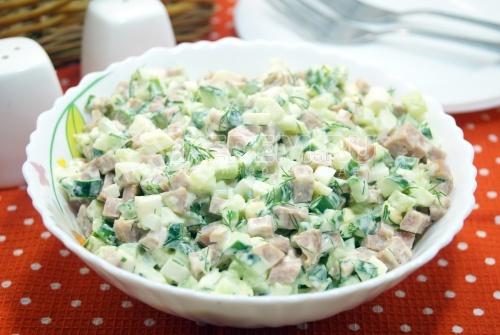 Салат с колбасой и свежими огурцами Инди